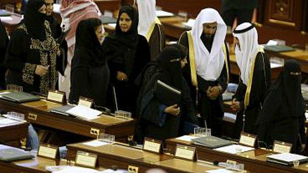 """بانتظار صدور أمر ملكي.. """"الشورى السعودي"""" يمنع زواج القاصرين دون سن 15 عاماً"""