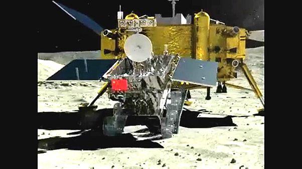 """La Cina svela il """"lato nascosto della Luna"""""""
