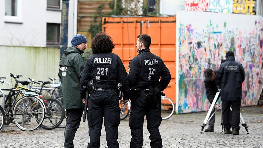 شاهد: لحظة الهجوم على نائب من اليمين المتطرف في ألمانيا