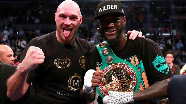 İlk maçta berabere kalan yenilgisiz boksörler Fury ve Wilder ABD'de yeniden karşılaşacak
