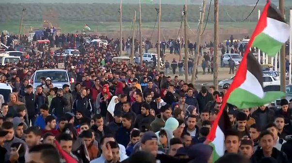 مقتل فلسطينية برصاص الجيش الإسرائيلي في احتجاجات مسيرات العودة بغزة