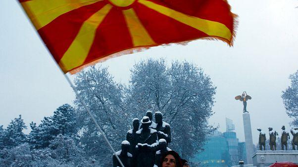 Yunanistan ile Makedonya arasındaki isim krizi sonlandı: Ülkenin ismi resmen 'Kuzey Makedonya'