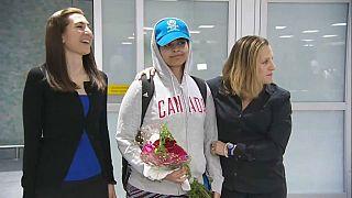 La joven saudí Rahaf Mohammed Al Qunun llega a Canadá