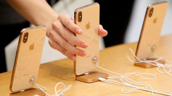 أبل تواجه انخفاض مبيعاتها بثلاثة إصدارات آي فون جديدة في 2019