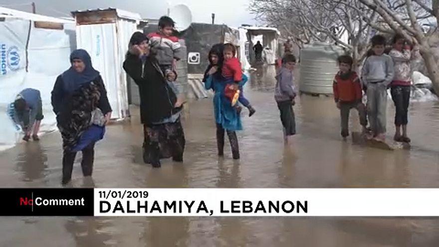 شاهد: عاصفة نورما في لبنان تزيد من معاناة اللاجئين في المخيمات العشوائية