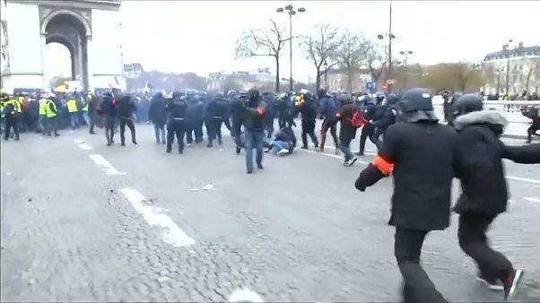 Más de 200 detenidos en la novena protesta de los 'chalecos amarillos'