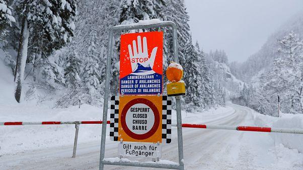 Avalanche mata três esquiadores na Áustria