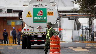 Un soldado en un almacén de PEMEX, Guadalajara, México, 11/01/2019