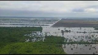 Lluvias torrenciales en Argentina, sequía extrema en Chile