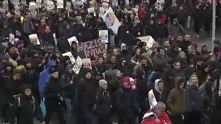Antifasiszta tüntetés az AfD kongresszusánál