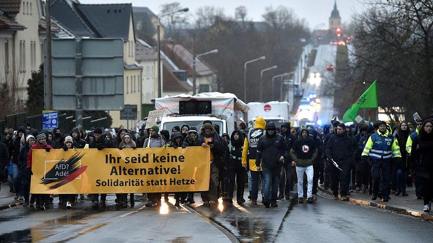 Almanya'da aşırı sağcı AfD Brexit'ten esinlenerek Dexit'i tartıştı