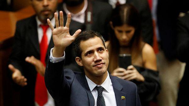 Venezuela: Maduro'nun yerine geçmek isteyen Guaido gözaltına alındıktan sonra serbest bırakıldı