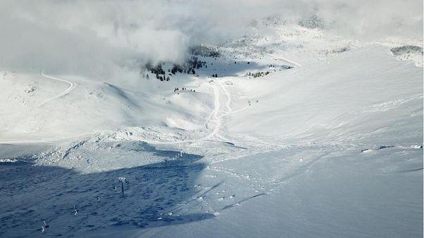 Τεράστια η χιονοστιβάδα στα Καλάβρυτα (pics)