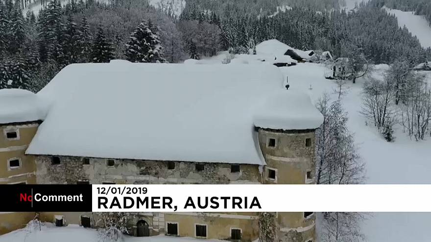 بارش برف سنگین در آلمان و اتریش؛ نگرانی از سقوط بهمن