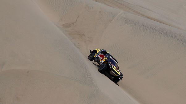 El chileno Quintanilla encabeza la general de motos en el Dakar