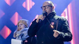 بولندا: وفاة رئيس بلدية جدانسك  باول اداموفيتش إثر طعنه خلال حفل خيري
