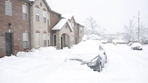 Hóviharok és óriási havazás az USA keleti partján