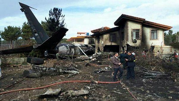 15 muertos y un herido grave en un accidente aéreo en Irán