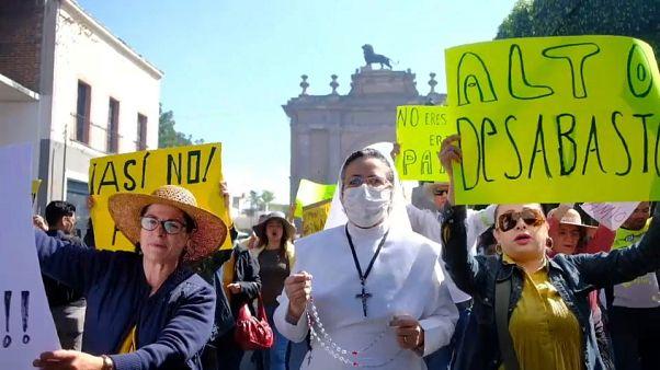Los 'chalecos amarillos' mexicanos claman contra la escasez de combustible