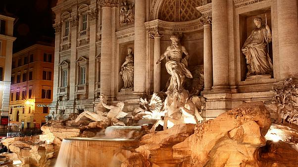 جدل في روما حول مصير العملات المستقرة في قاع نافورة تريفي الشهيرة