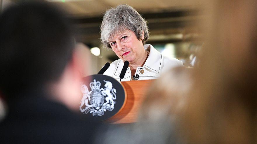 """May pede a aprovação do acordo """"pelo futuro do Reino Unido"""""""