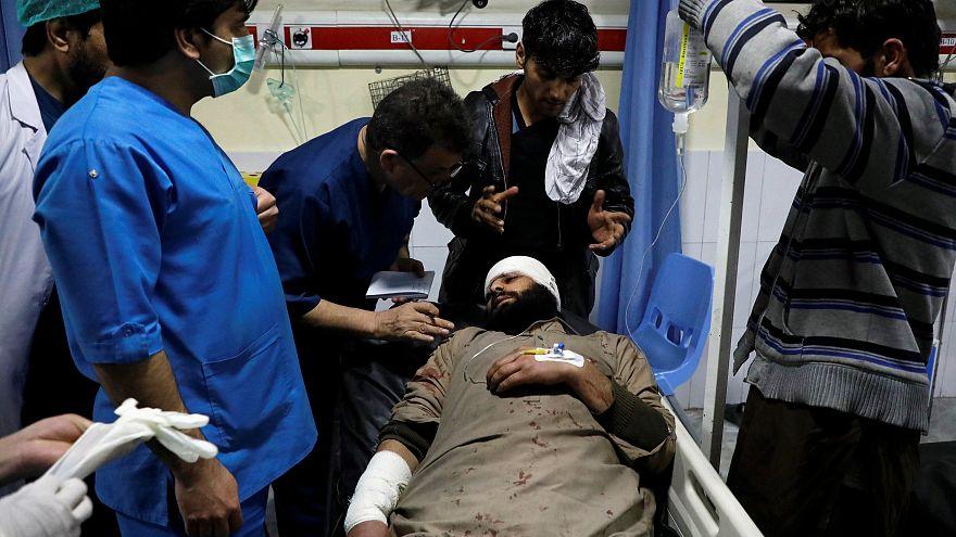 انفجار خودروی بمبگذاری شده در نزدیکی اقامتگاه کارمندان خارجی در کابل دستکم ۴ کشته برجا گذاشت