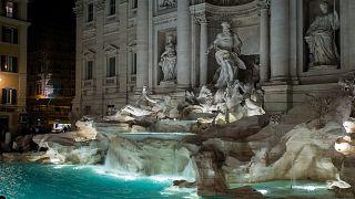 Roma'da Aşk Çeşmesi'ne atılan bozuk paralar artık kiliseye değil, belediye kasasına gidecek
