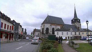 Grand débat : à Bourgtheroulde, Emmanuel Macron attendu avec appréhension
