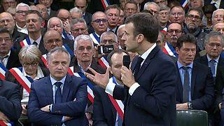 "Macron lança o ""grande debate nacional"" na Normandia"