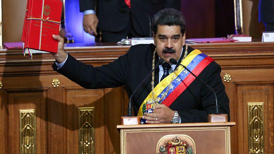 Maduro quadruplica salário mínimo