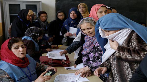 مردم افغانستان در صف رای عکس از رویترز