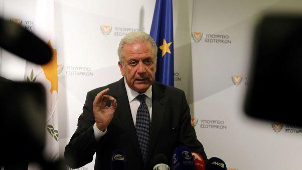 Avramopulosz: nincs migrációs vagy menekültválság az Európai Unióban