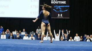Kadın sporcunun sosyal medyada gündem olan jimnastik performansı