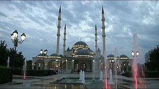 Chechénia acusada de perseguição a homossexuais