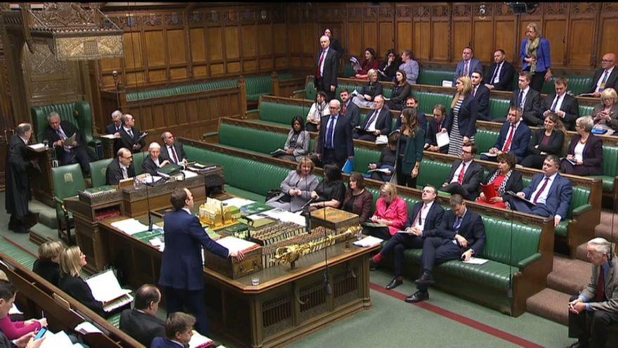 A brit parlament megkezdte a brexit-megállapodás vitáját. Kövesse élőben az Euronewson!