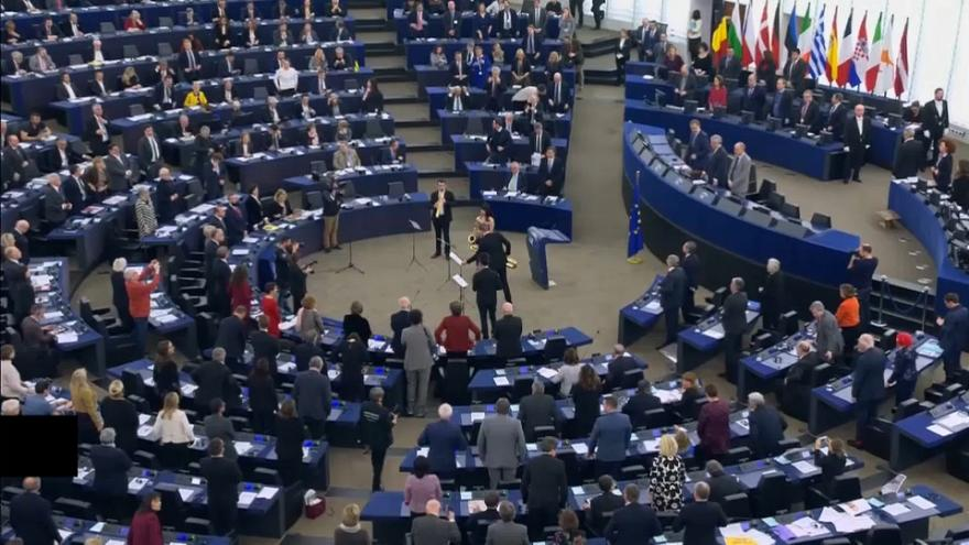 European parliament marks 20th anniversary of euro