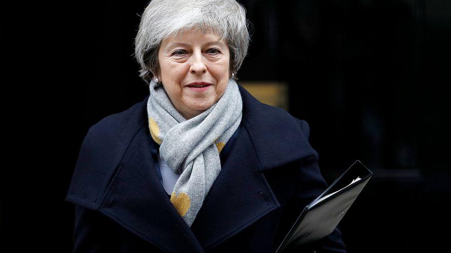 Eldőlt: nagy többséggel elutasították May brexit-alkuját