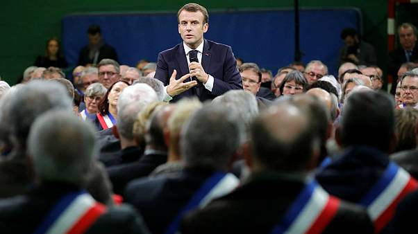 Macron accuses the disadvantaged of 'mucking about' ahead of first national debate