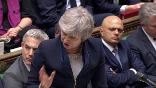 Brexit: Συντριπτική ήττα της Τερέζα Μέι στη Βουλή