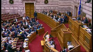 Pattanásig feszült a helyzet a görög belpolitikában