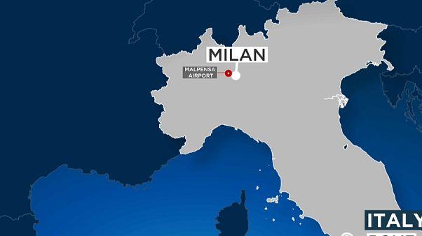 Caos a Malpensa: migrante respinto si lancia da aereo