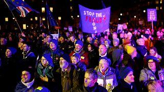 Rejet du Brexit : les Britanniques entre division et interrogation