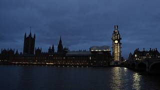 Theresa May fordert Opposition zum Dialog auf