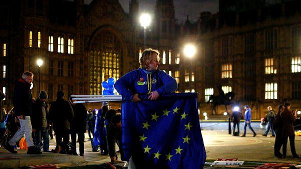 Αντιδράσεις στη  Ευρώπη από την καταψήφιση της συμφωνίας για το Brexit