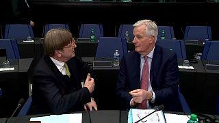 Rejet de l'accord de Brexit : pas de panique, l'Union attend de voir