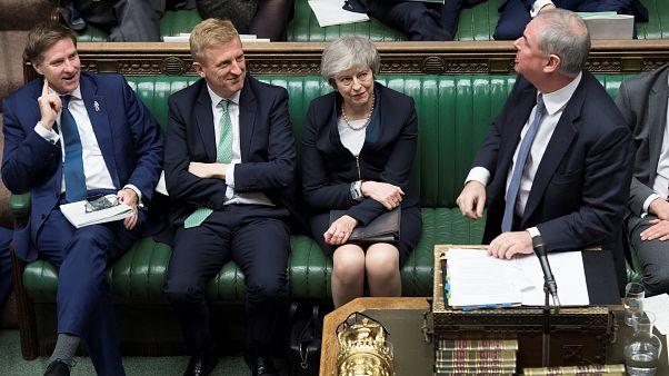 Brexit: ¿Cómo funciona la moción de censura en Reino Unido?