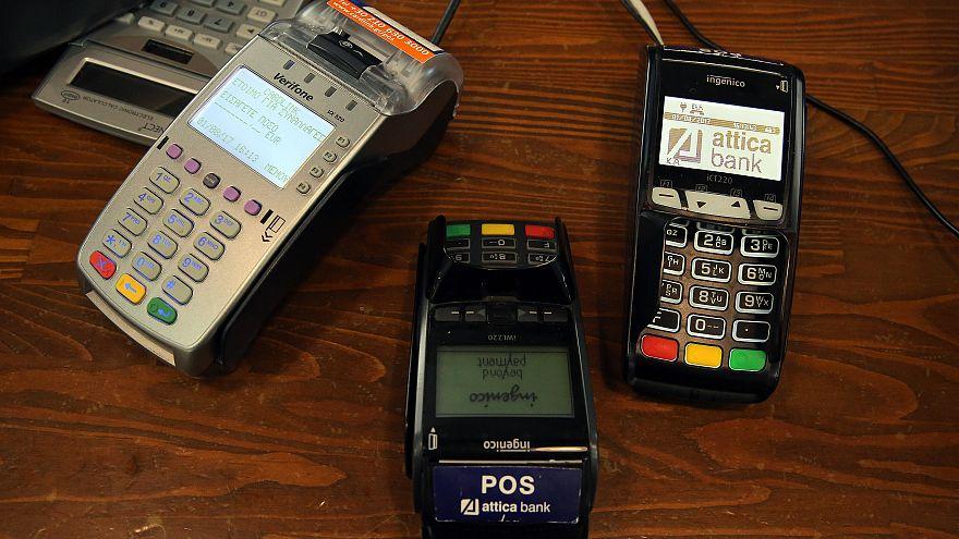 Η λίστα με τις επιχειρήσεις που πρέπει να δέχονται υποχρεωτικά πληρωμές με κάρτες