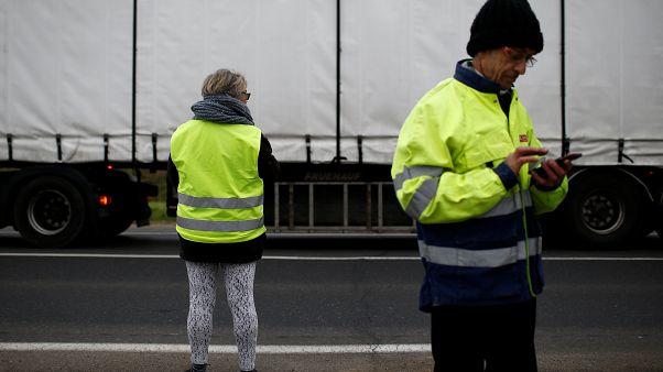 السترات الصفراء في بلجيكا توجه سهام احتجاجها نحو عمالقة التكنولوجيا