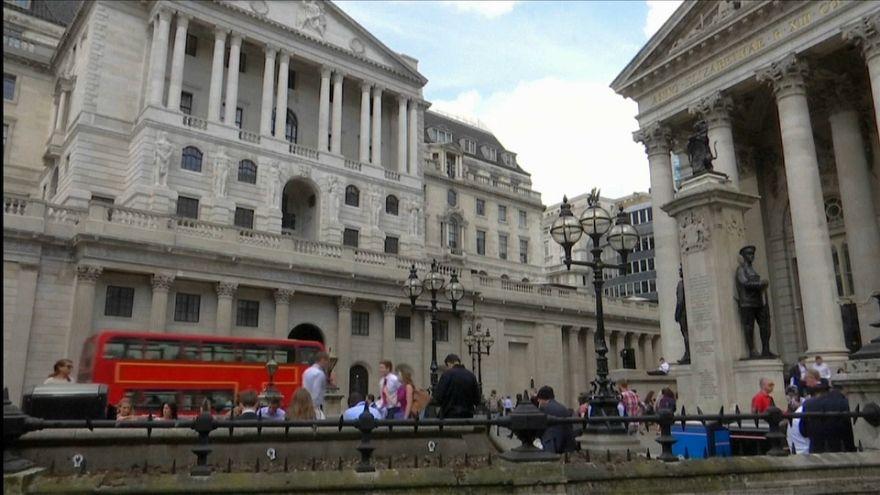 La libra esterlina aguanta en los mercados tras el 'no' al acuerdo del Brexit