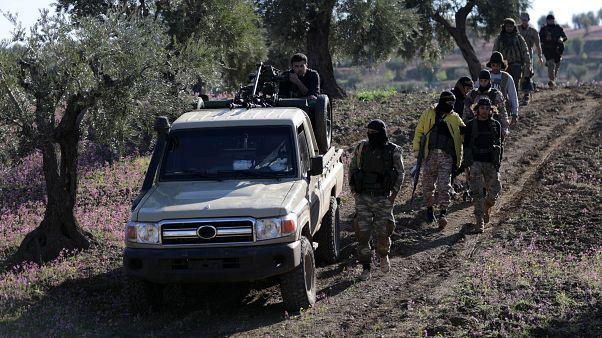 """معارضون سوريون ينتظرون إعلان تركيا """"ساعة الصفر"""" للدخول إلى منبج"""